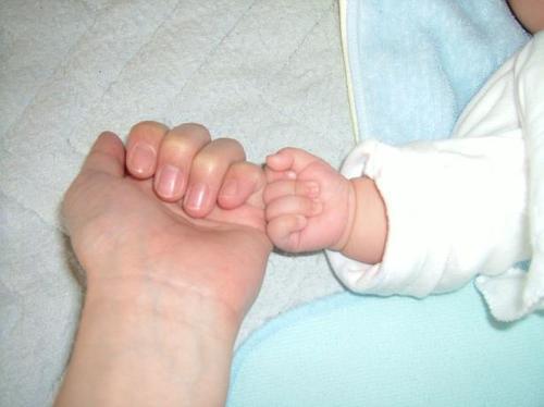 生後2ヶ月 手